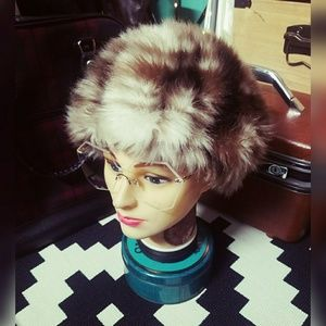 Insanely Awesome, 60's, VINTAGE, faux fur hat!!